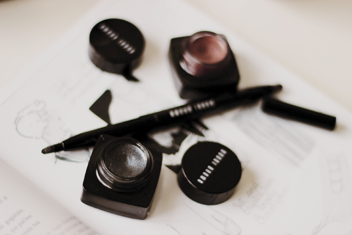 Bobbi Brown long-wear gel sparkle shadow meets liner blog review