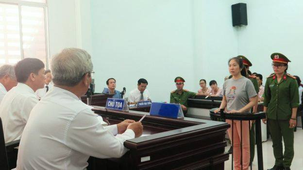 Blogger Mẹ Nấm trong phiên tòa hôm 29/6/2017
