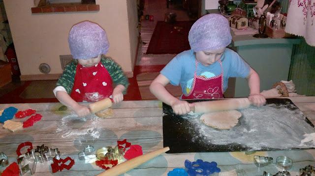 leivotaan lasten kanssa