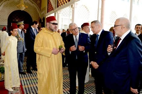 """المَلكيّة .. """"كرة نار حارقة """" في ملعب الأحزاب السياسيّة المغربية"""
