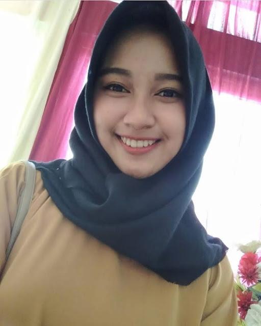 Hijaber Murah Senyum