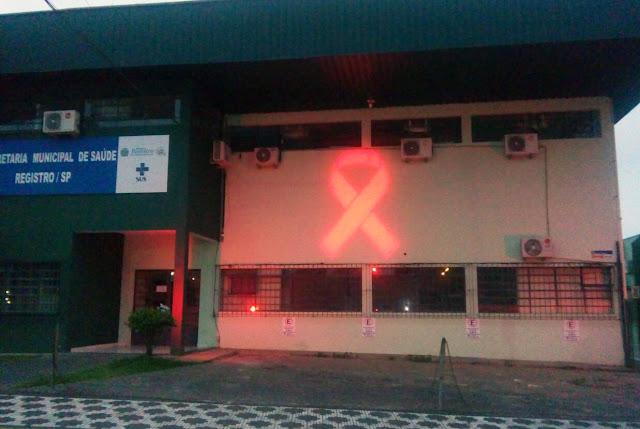 Prefeitura de Registro-SP adere ao Laço Vermelho do Dia Mundial de Luta Contra a AIDS
