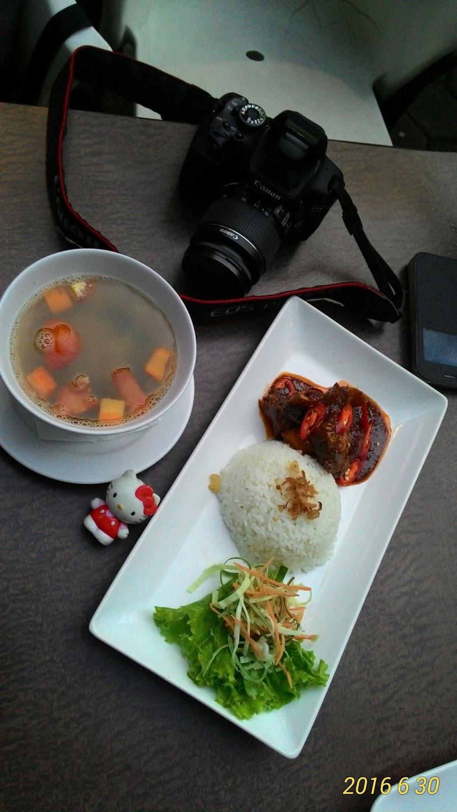 Maeshare : Lezatnya Kuliner di Ralana Eatery Solo