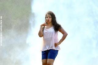 Malavika Menon Hot In Aruva Sandai