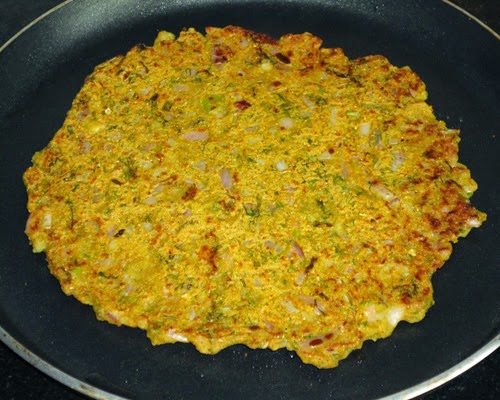 Shallow fried thalipeeth
