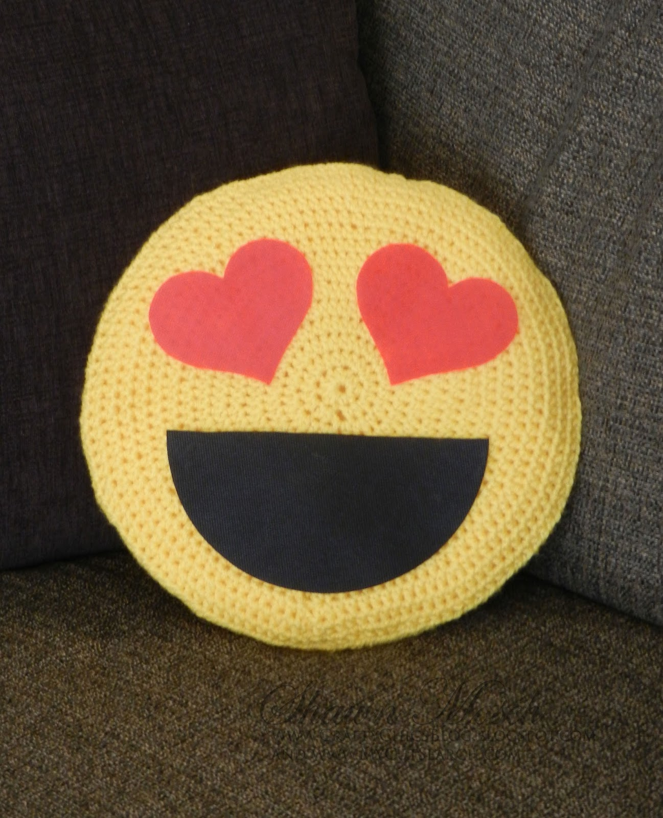 Project Dreams Marshmallow: Crafty Chic's: Emoji Pillow