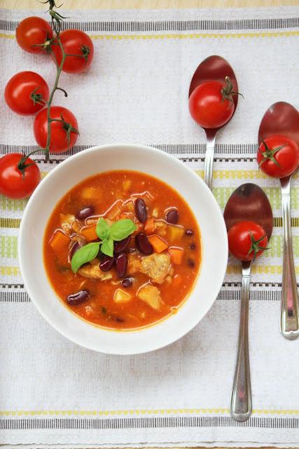 Zupa rybna z czerwoną fasolą