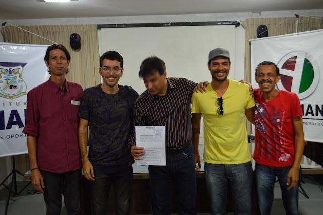 http://www.blogdofelipeandrade.com.br/2016/04/conselheiros-de-cultura-foram.html