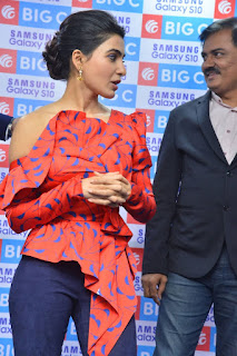 Samantha launches Samsang Galaxy S10+ Mobile At Big C