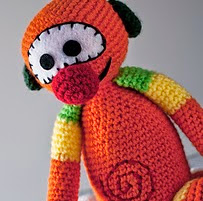 http://www.ravelry.com/patterns/library/amigurumi-mic-tv3