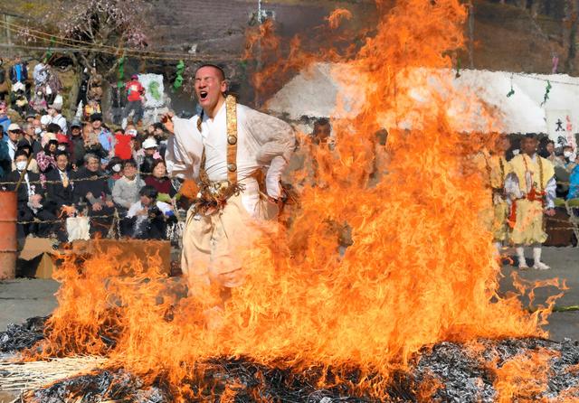 Nagatoro Himatsuri - Spring Fire Festival -, Nagatoromachi, Chichibu-gun, Saitama-ken
