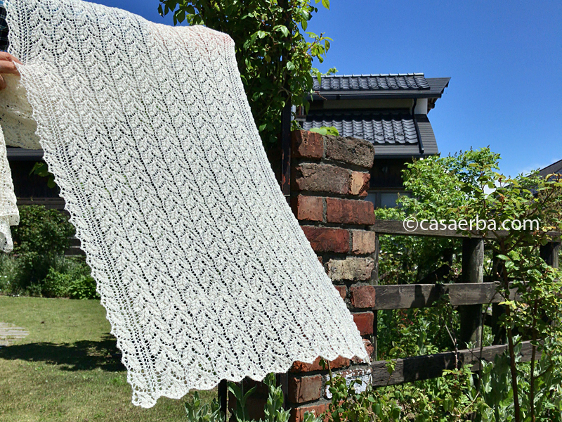 Elm Leaf Knitting Pattern : CasaERBA: Knit Lace Stole Finally! -Drooping Elm Leaf Stitch