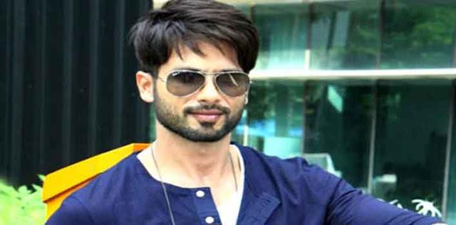 हाल ही में वह करण जौहर के चैट शो 'कॉफी विद करण 6' में पहुंचे थे।