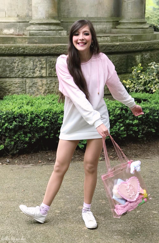 gyaru kei outfit, happy, happy blogger