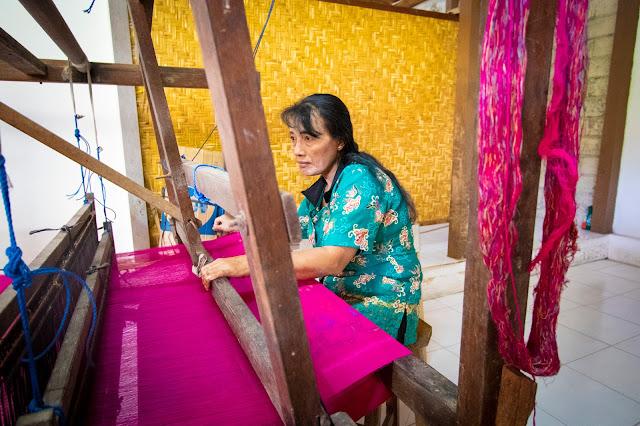 Lavorazione del batik-Bali