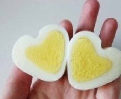 Making chicken eggs in two hearts: 07