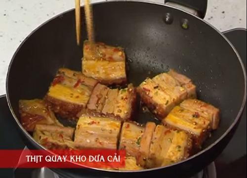 Cách làm món thịt quay kho dưa cải