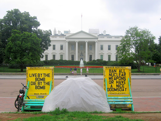 The white tent vs. the White House