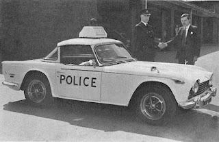 Police chase Triumph TR5
