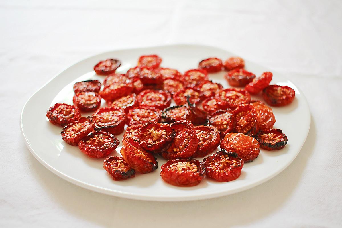 Ofengetrocknete Tomaten, köstlich duftend!  | Arthurs Tochter kocht. von Astrid Paul. Der Blog für food, wine, travel & love