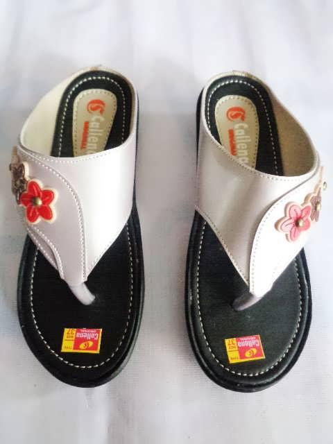 Sandal wanita Callena model Japit Silver