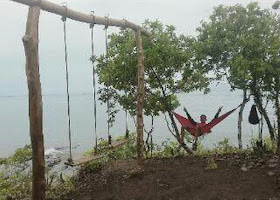 ayunan di pulau karamasang