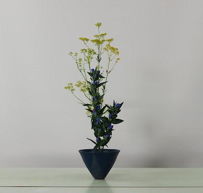 池坊いけばな:生花正風体(女郎花(オミナエシ)、リンドウ)