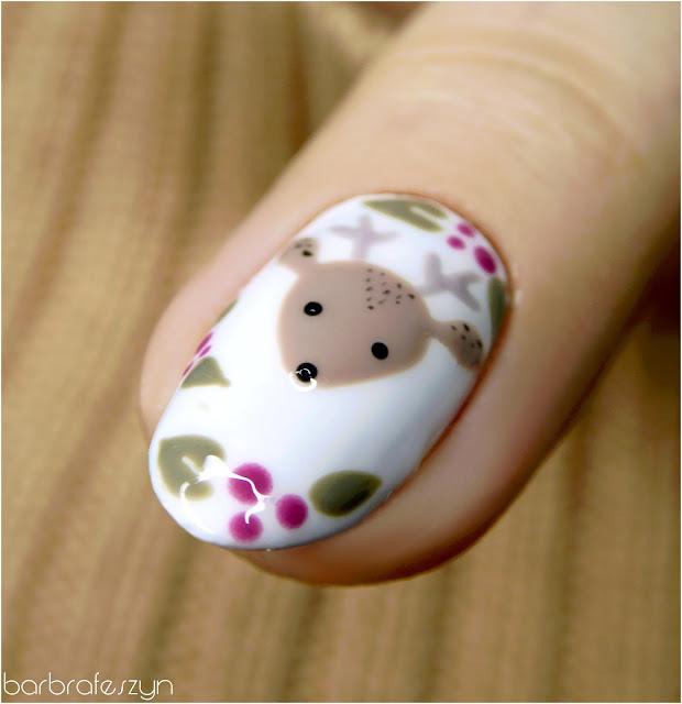 sarenka na paznokciach