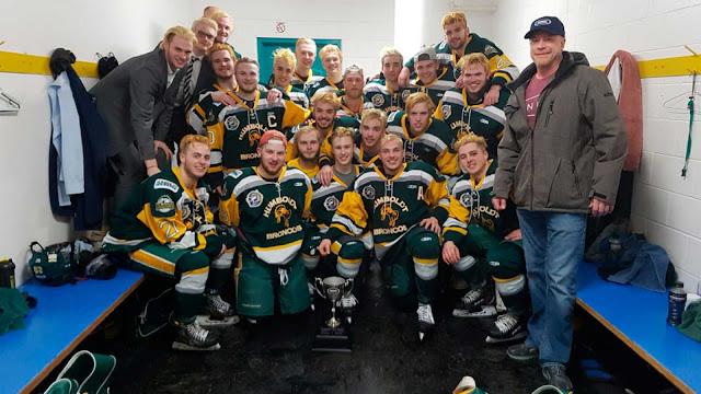 Mueren 14 miembros de un equipo de hockey en un accidente de tráfico en Canadá