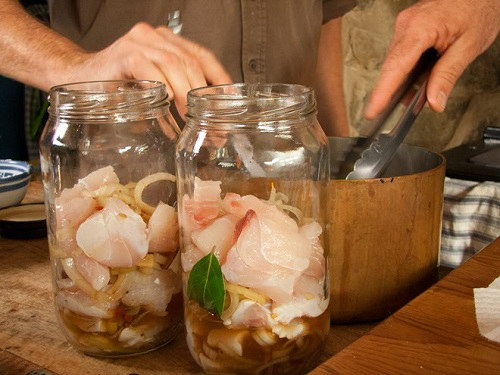 Cách muối hải sản thơm ngon dành ăn dần