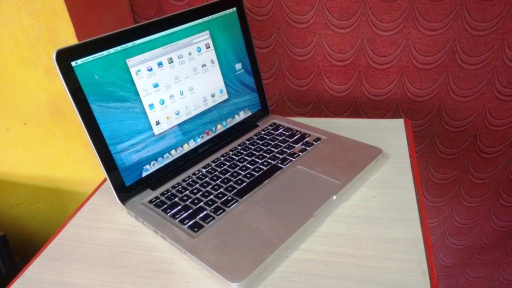 Learn New Things: Apple Macbook Pro (i5/4GB/500GB/HD Graphic
