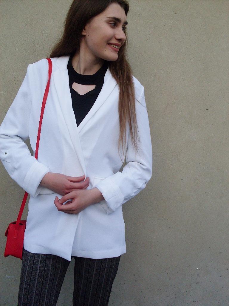 2692740c572b4 moja szafa , modna szafa: biała marynarka oversize & sandałki na obcasie
