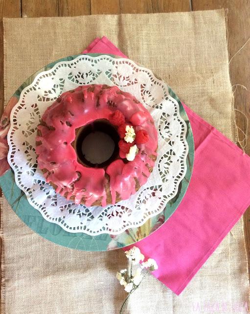 bundt-cake-con-frambuesas-y-limón