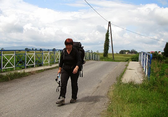Szosa do wsi Łąki.