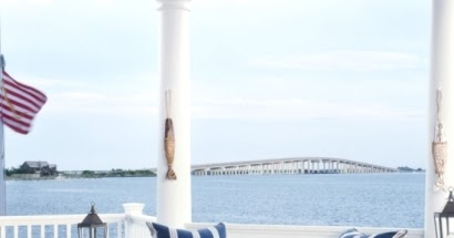 16 Outdoor Seaside Stripe Coastal Nautical Decor Ideas