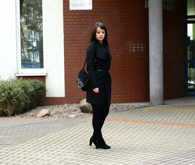 BLACK TOTAL LOOK
