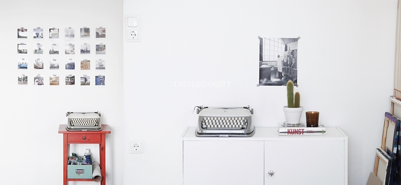 Wanddeko minimalistisch skandinavisch modern einrichten wohnen dekorieren Sideboard weiß Deko Januar Tasteboykott