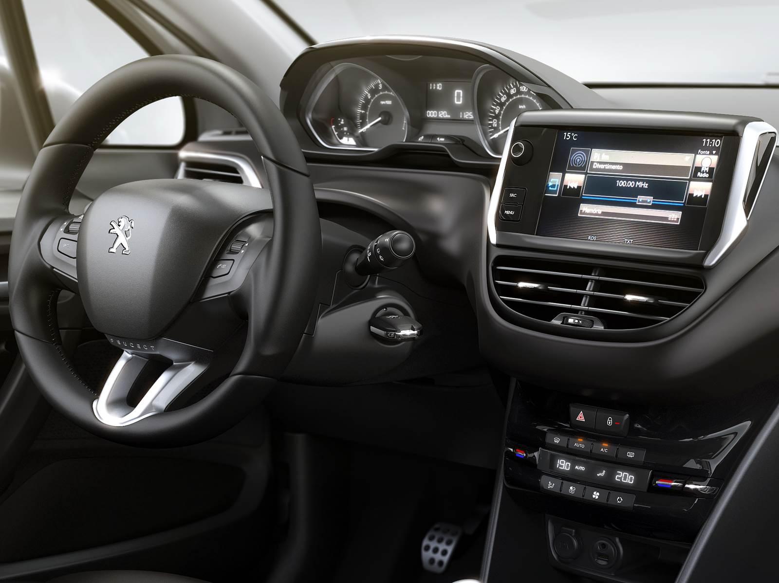 Novo peugeot 2008 dados de consumo vers es e motores for Peugeot 2008 interieur