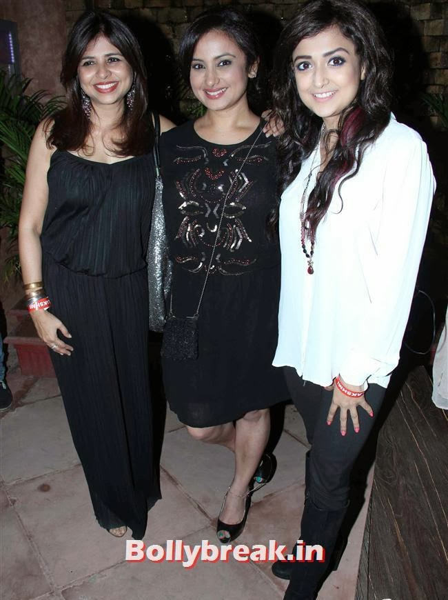 Divya Dutta and Monali Thakur, Celebs at Lakshmi Movie Success Bash