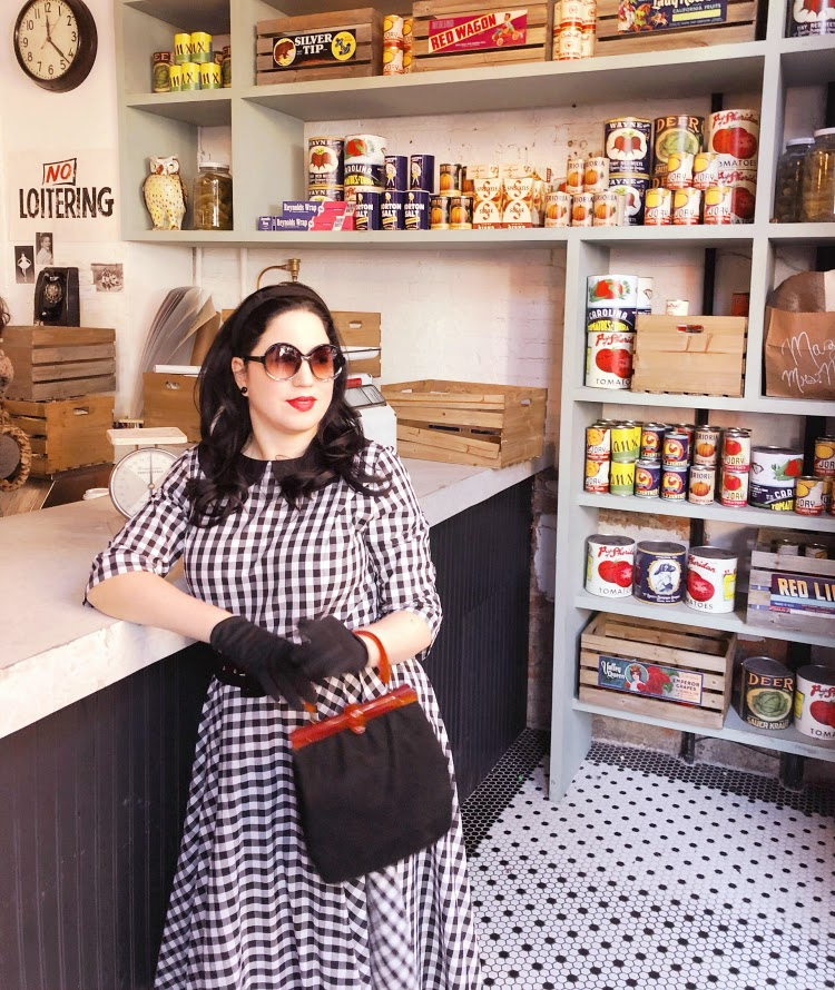 A Vintage Nerd Carnegie Deli Vintage New York The Marvelous Mrs. Maisel 1950s Fashion Vintage Blogger Plus Size Blogger Vintage Blog Unique Vintage Dresses Amazon Prime TV Shows