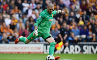 Manchester United goalkeeper Victor Valdes set for Besiktas move