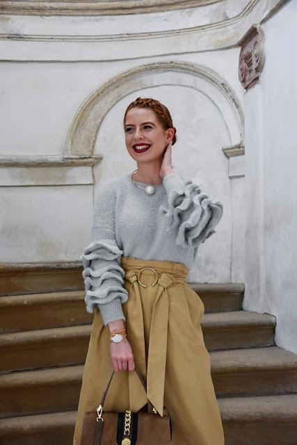 sveter - TU (SHEIN)    sukňa - STRADIVARIUS    lodičky - CCC    kabelka -  RELA    náhrdelník - ALIEXPRESS    náramok - SKAGEN via KLENOTY AURUM 00a7d5d06e9