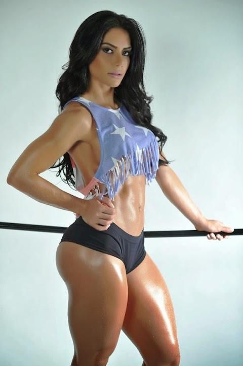 Modelo Graciela Carvalho Super Musculosa