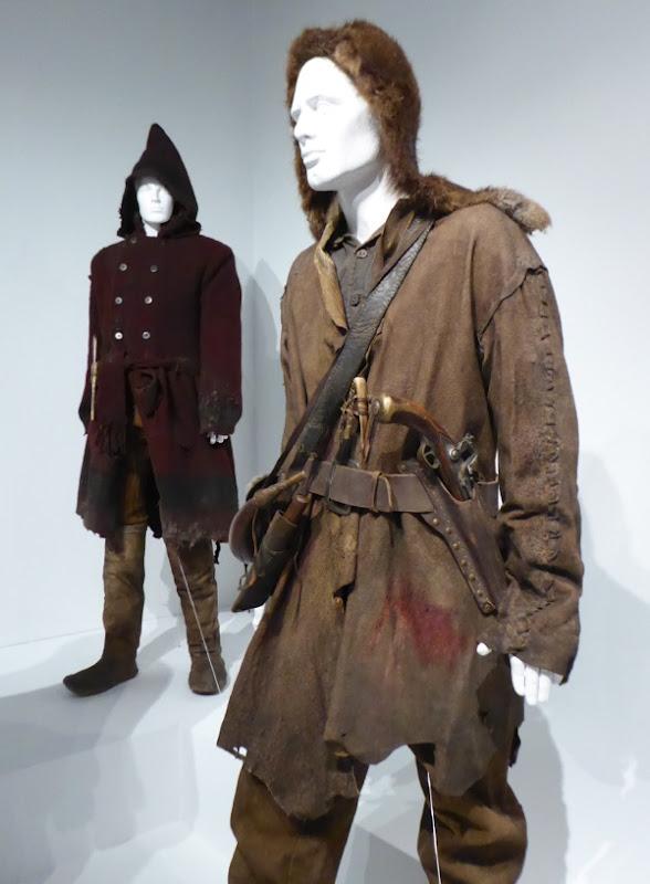 Leonardo DiCaprio The Revenant costume