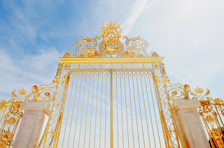 Does Heaven have Pearly Gates with Gold Streets?