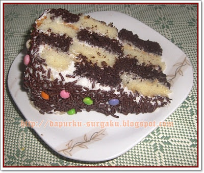 Cake Coklat, Cake Tanpa Pengembang Tambahan, Cake Panggang, Chocolate Checkerboard Cake With Cream Cheese Frosting