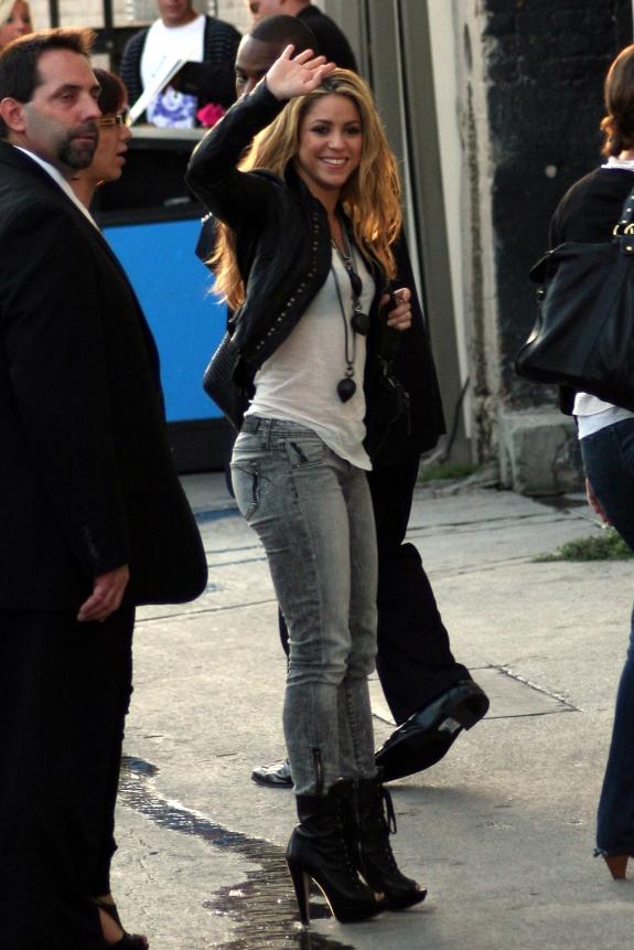 Shakira Shakira In Jeans