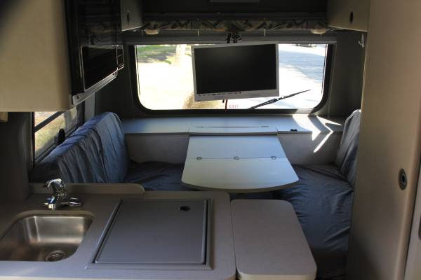 Used Motorhomes For Sale By Owner >> Used RVs Winnebago Rialta VW RV For Sale by Owner