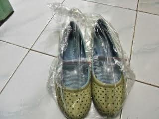 Wow! Sepatu yang Kekecilan Bisa Di Gedein Hanya Dalam Sehari Dengan Cara Ini Loh!