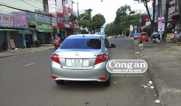 """Taxi """"Uber Grab Gia Lai"""" trá hình lộng hành ở Pleiku"""